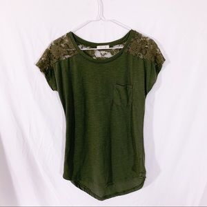 Paper + Tee - green lace shoulders,  1 pocket